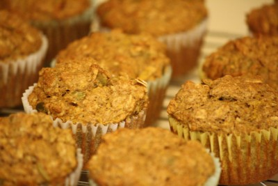 muffins-cooling-on-rack